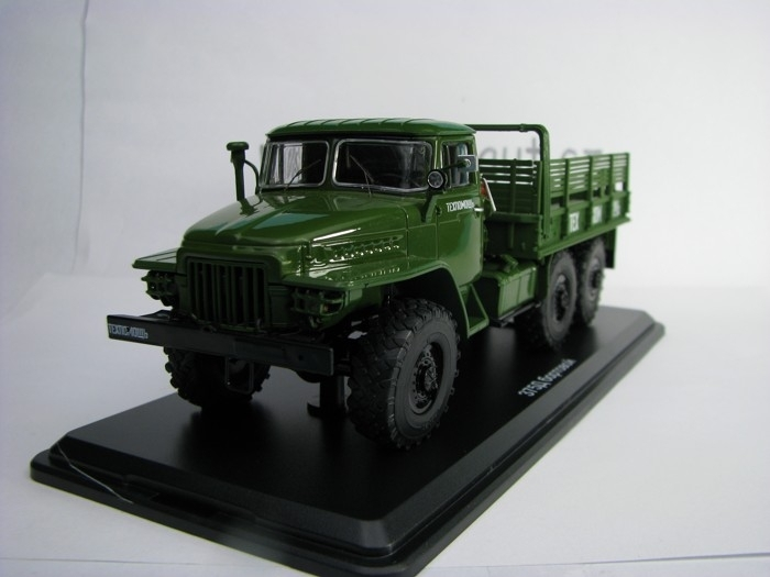URAL 375D TRUCK green 1:43 Start Scale Models